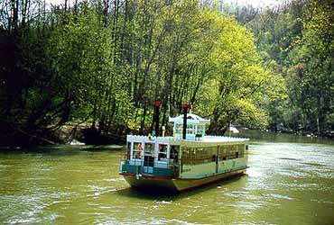 Park Visitors Cruise Down the Green River Aboard the Miss Green River Boat II